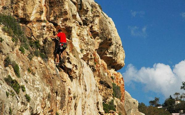 Actividades en tierra: escalada