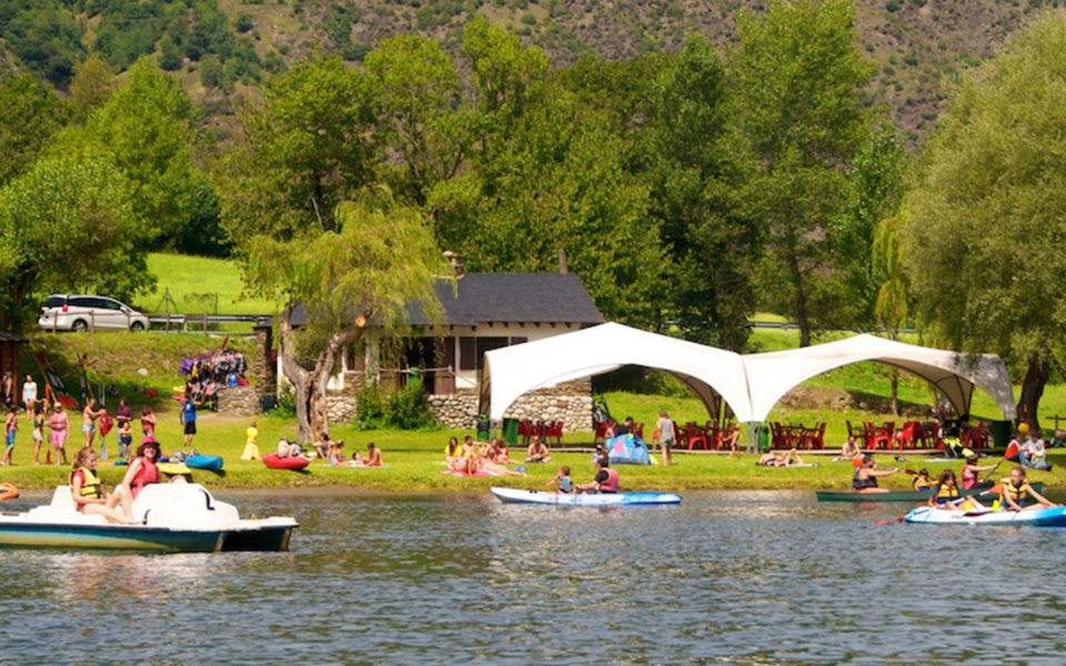 Canoas en el lago de la Torrassa