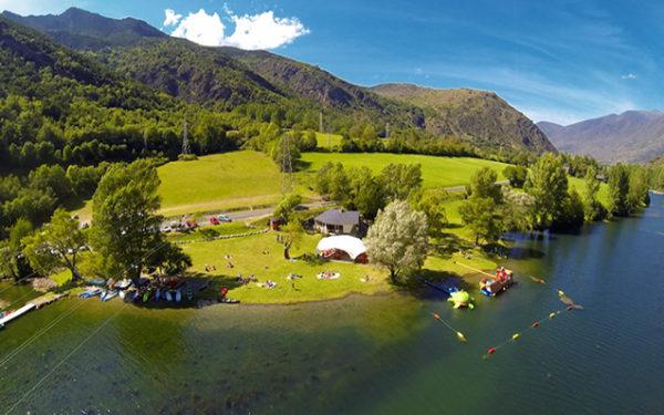 El llac de la Torrassa, un lloc on practicar infinitat d'activitats aquàtiques