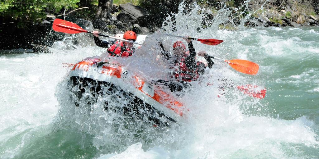 Alta Ruta Aventura ofrece packs de rafting y barranquismo