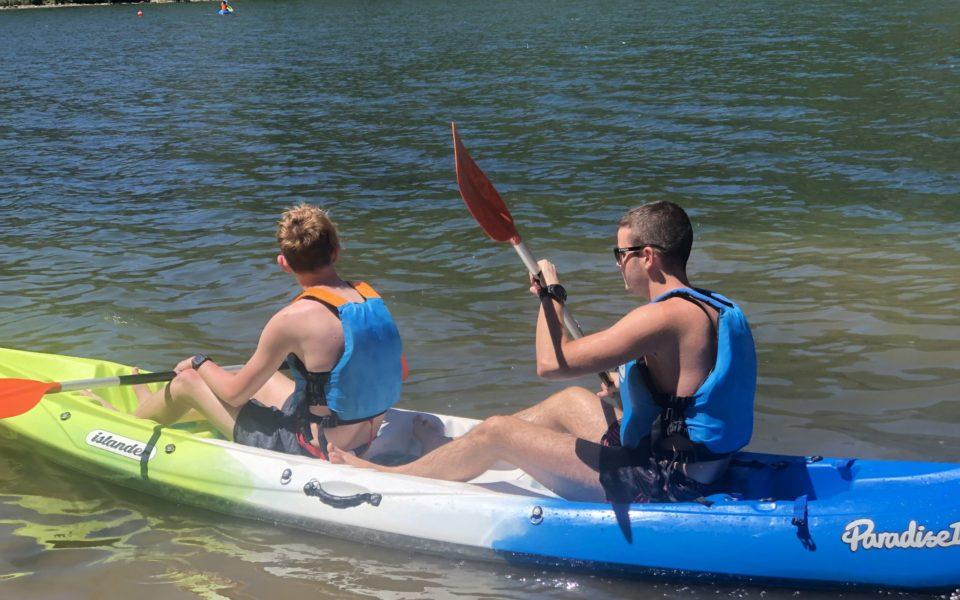 parque-aventura-lago-pirineos-surf-kayak